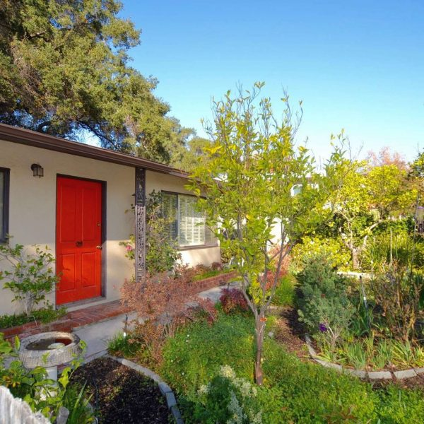 SOLD: Artist DIGGS – 4711 Crown Ave. | La Canada Flintridge