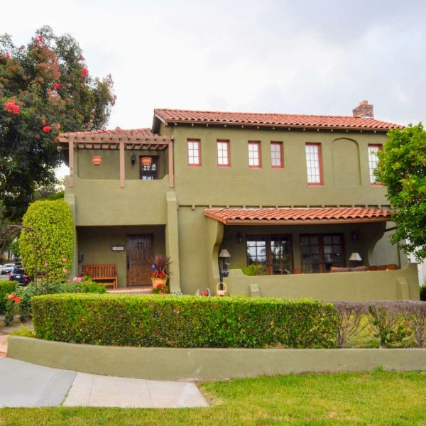 Stylish DIGGS: 1638 Highland Ave. | Glendale 91202